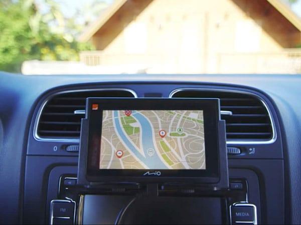 Installazione-navigatore-auto-Modena