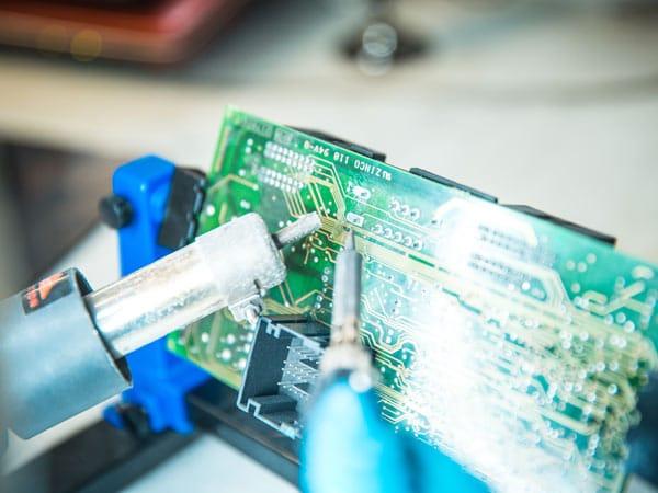 riparazione-auto-elettriche-modena